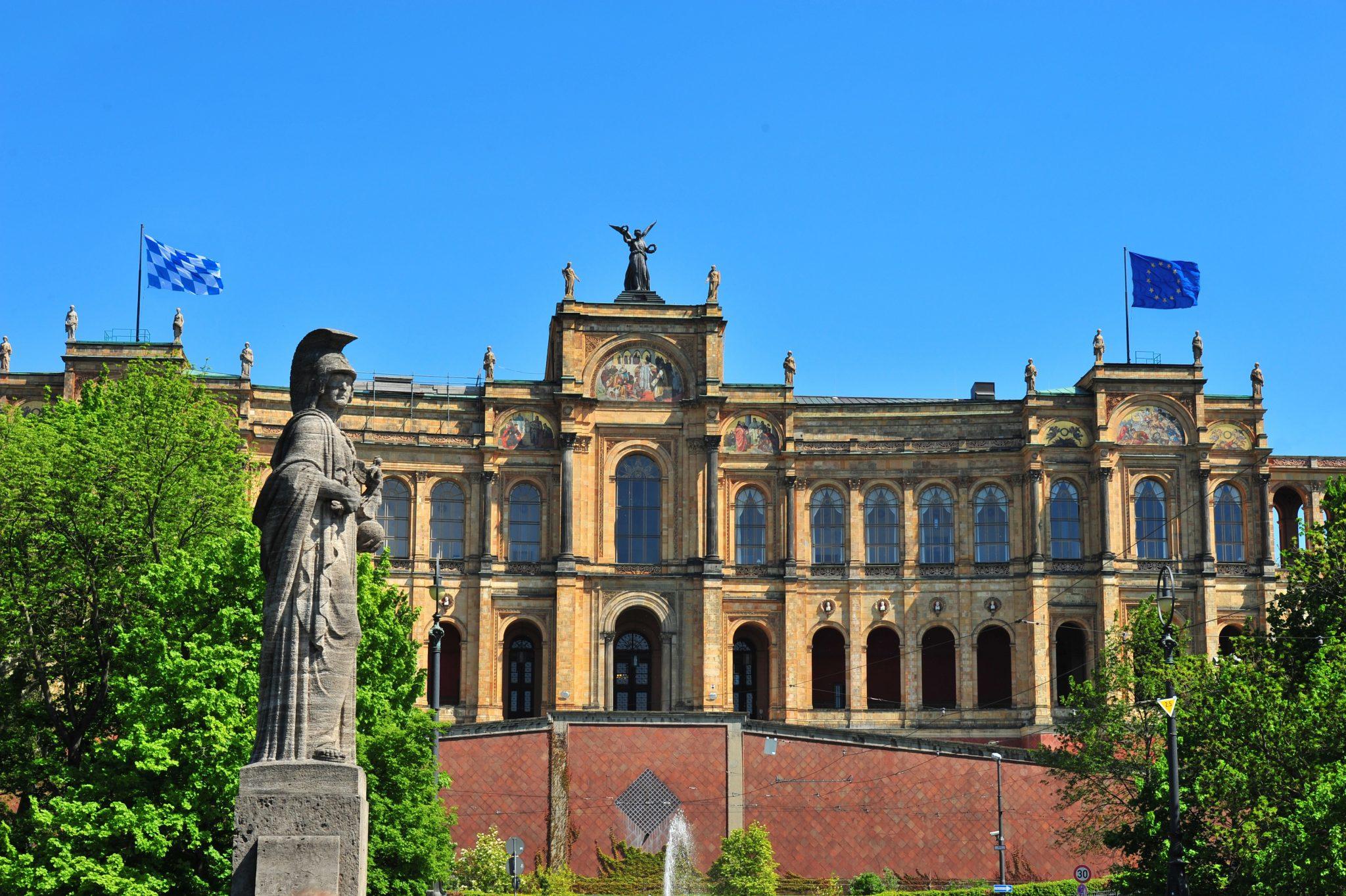 Das Maximilianeum, Sitz des Bayerischen Landtags.