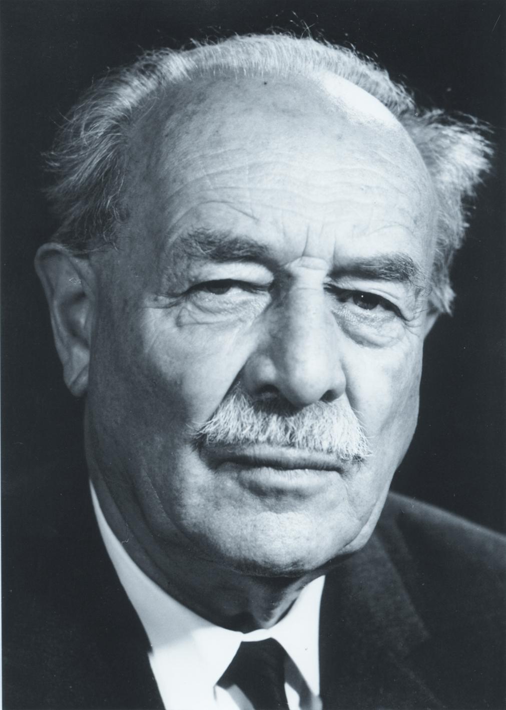 Portrait von Dr. Wilhelm Hoegner.