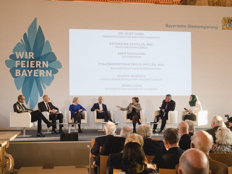 Festakt mit Musik und Diskussion zum Jubiläumsjahr WIR FEIERN BAYERN in Augsburg