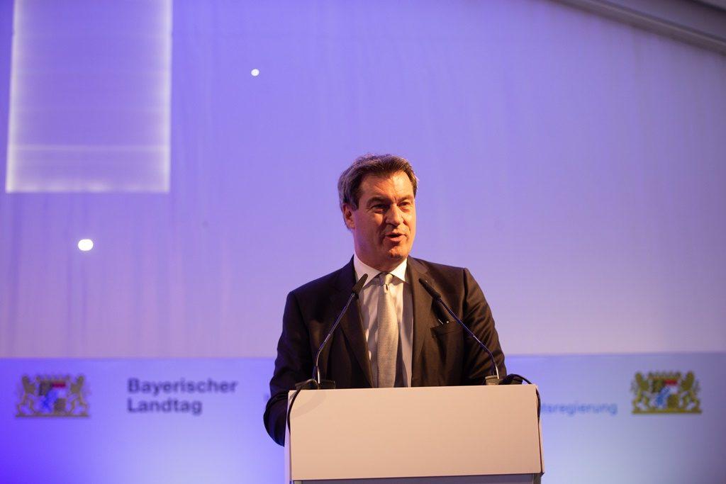 Ministerpräsident Söder bei Rede in Festzelt
