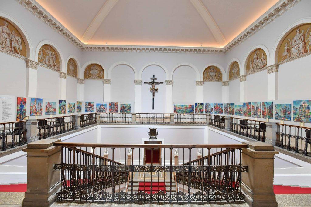 Ausstellung im Kreuzgang des Maximilianeums.